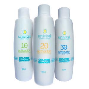 Agua Oxigenada Univital para tinturar cabellos.